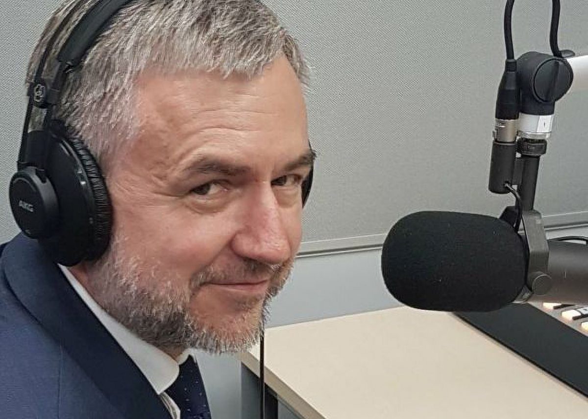 Marszałek Województwa WIelkopolskiego - Marek Woźniak przy mikrofonie